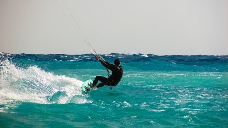 kite-surfing-1960536__340
